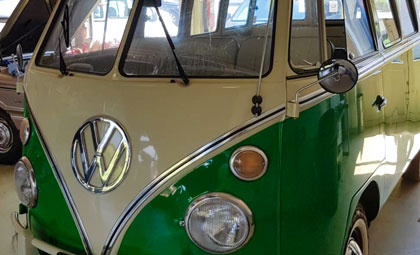 vw bus oldtimer garage ammann